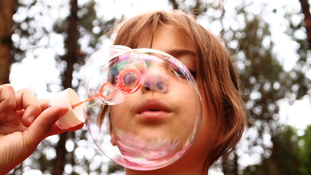 blow-bubbles-668950 640